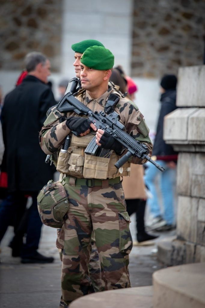 french foreign legion sentinelle
